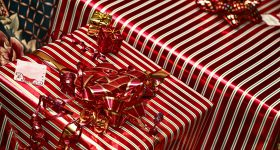 gifts-557205_1920